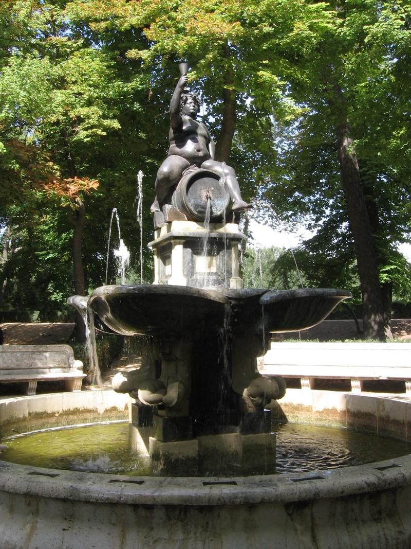 Fuente de jardin trendy fuente de jardn esfera de acero for Fuentes de jardin baratas