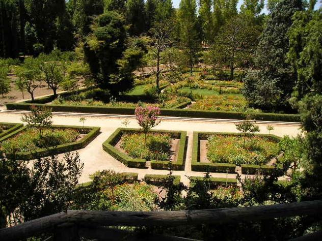 Aula naturaleza ruta escolar guiada jardines y barco el for Restaurante jardin del principe en aranjuez