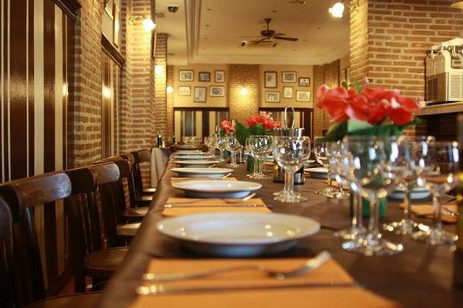 Restaurante la ribere a de aranjuez el curiosity for Restaurante casa jardin